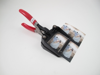Hand Held Wallet Photo Cutter (45x70.5 mm)